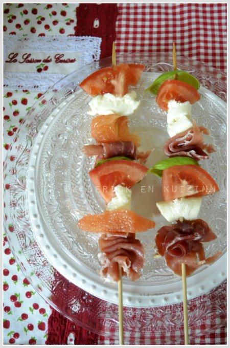 Presentation-brochette-tomate-jambon-pamplemousse